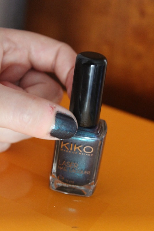 Kiko dark heroine collection 435 Venom Teal