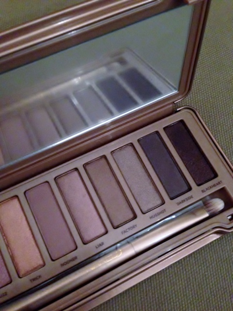 naked 3 urban decay (2)