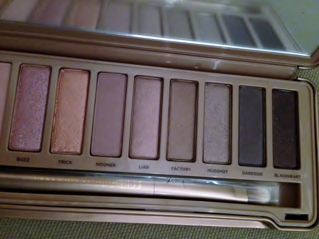 naked 3 urban decay (3)