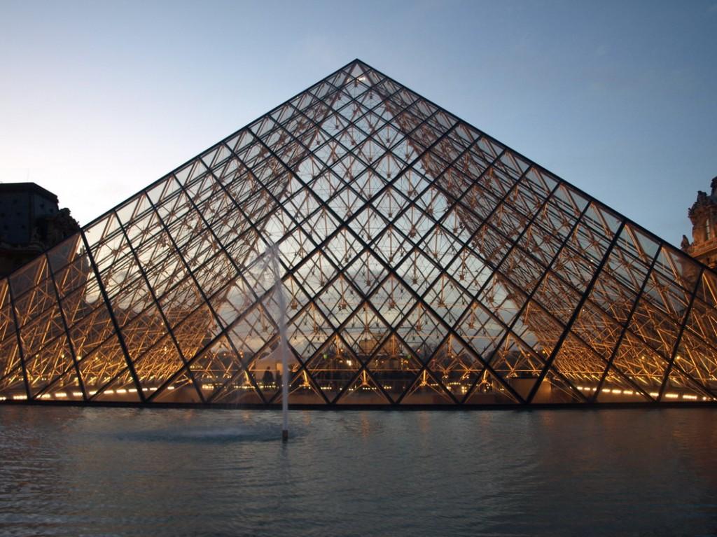 Pyramide_louvre