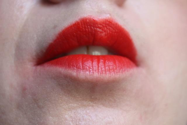 rouge edition velvet hot pepper (1)