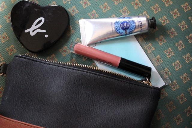 ma trousse à maquillage de secours (4)