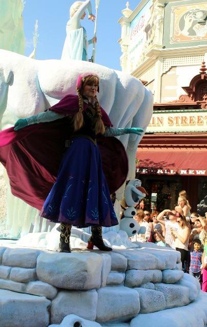disneyland paris parade juil 2015 la reine des neiges