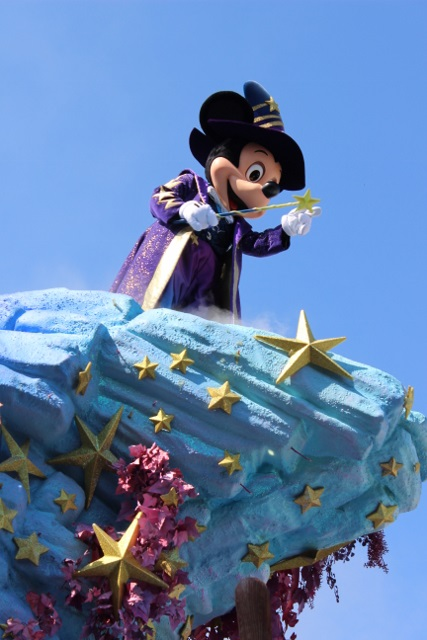 disneyland paris parade juil 2015