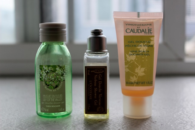 mini gels douches l'occitane yr caudalie