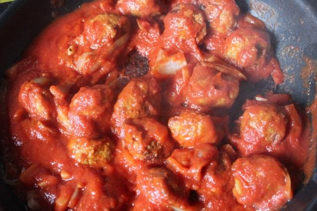Boulettes Kefta à la sauce tomates épicée