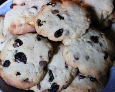 Cookies aux pépites de chocolat et raisins secs
